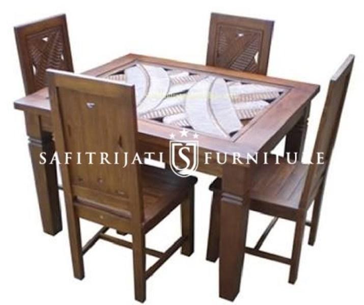 Meja Makan Ukir Daun Jepara Safitri Jati Furniture