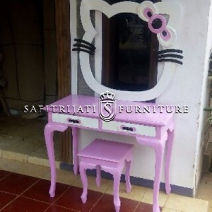 Meja Rias Murah Model Hello Kitty