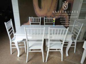 Set Kursi Makan Tiffany
