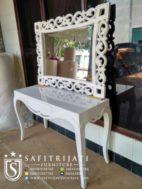 Meja Konsul Dan Cermin Minimalis Putih