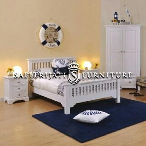 kamar-tidur-set-minimalis-jati