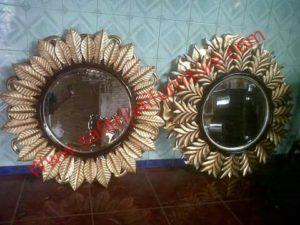 Cermin Jati Minimalis