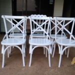 Kursi Silang Warna Putih